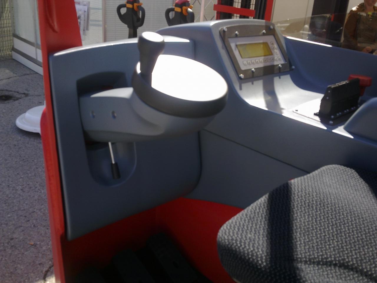 Rech-truck VENI - VRT - post de coonducere modern